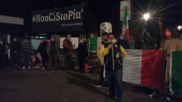 """""""Tec in piazza per gridare IO NON CI STO PIU' (Video)"""